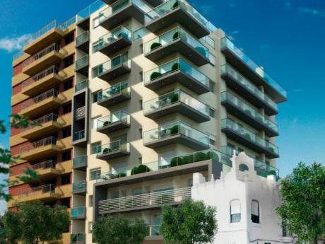 Venta De Apto. 2 Dormitorios Y 2 Baños En Punta Carretas!