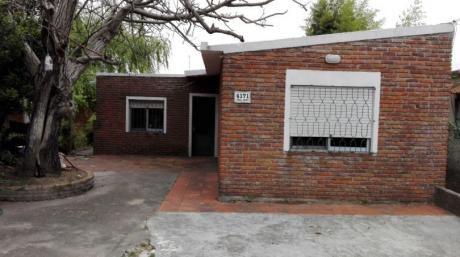 Casa 3 D. C/posibilidad De Cochera Al Frente Para Autos