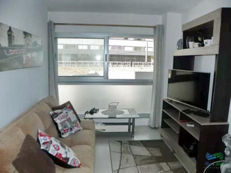 Apartamento En Edificio Con Excelentes Servicios En Venta, Zona Roosevelt, Punta Del Este