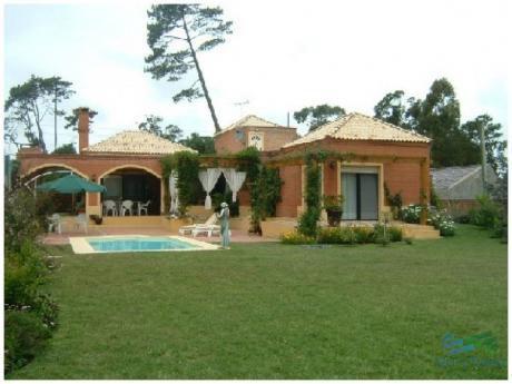 Muy Linda Casa En Alquiler, Zona Pinares, Punta Del Este