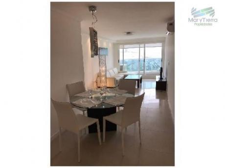 Apartamentos En Playa Mansa: Myt1058a