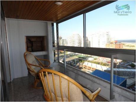 Apartamentos En Playa Mansa: Myt627a