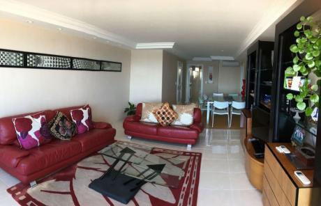 Apartamento En Venta 4 Dormitorios
