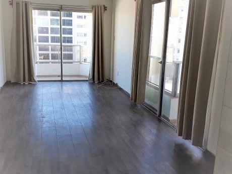 Apartamento En Alquiler Punta Carretas 1 Dormitorio, Balcones, Garaje