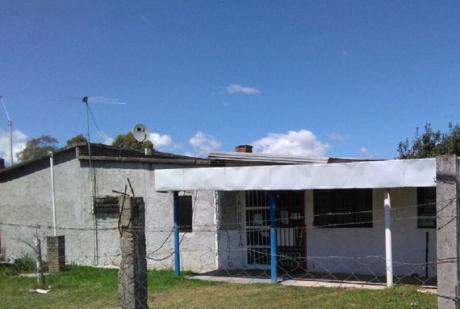 Toledo. Casa De Dos Dormitorios. 189 M2 Construidos.