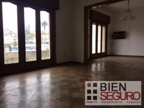 Casa De 4 Dormitorios En Alquiler En La Blanqueada