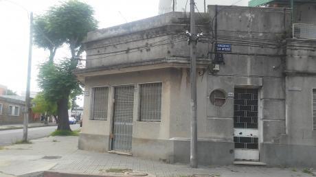 Venta Montevideo Cerrito 2 Dormitorios Al Frente A Reciclar