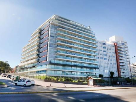Apartamento En Alquiler Con Muebles A Metros De La Rambla