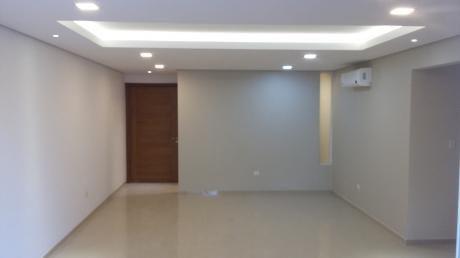 Departamento De Primer Nivel De 3 Dormitorios En Barrio Herrera
