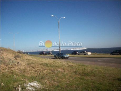 Primera Linea De Playa Mansa - Punta Del Este Pda 33
