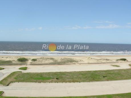Primera Linea De Playa Brava.