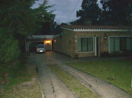 Excepcional Casa Con Dos Apartamentos En Marindia Sur