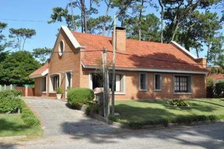 Casas En Jardines De Cordoba