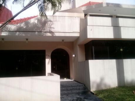 Casa Sobre Avenida Principal Con Ubicación Estratégica P/ Oficinas Y/o Vivienda