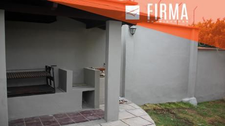 Fcv3815 – Casa En Venta, Achumani