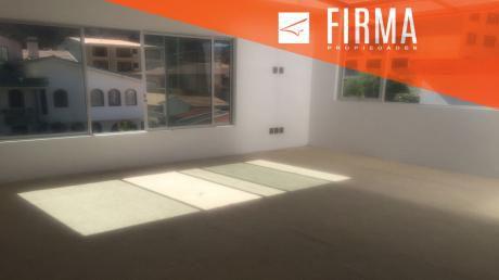 Fcv5140 – Casa En Venta, Irpavi