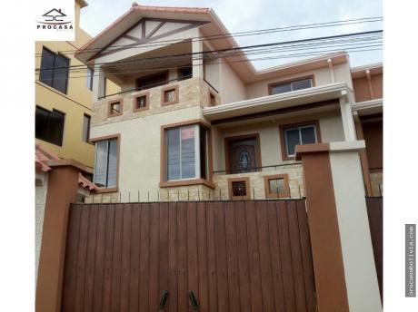 Hermosa Casa Zona Tadeo Haenke Y Villavicencio