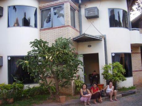 Hermosa Casa En Condominio Cerrado En Villa Morra