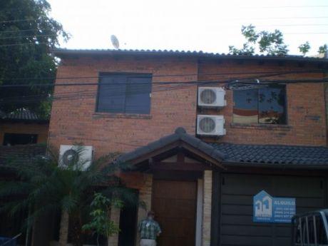 Casa Duplex Remodelado En Buen Estado....