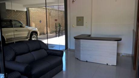 Alquilo Oficina En La Zona De La Municipalidad De Asunción..