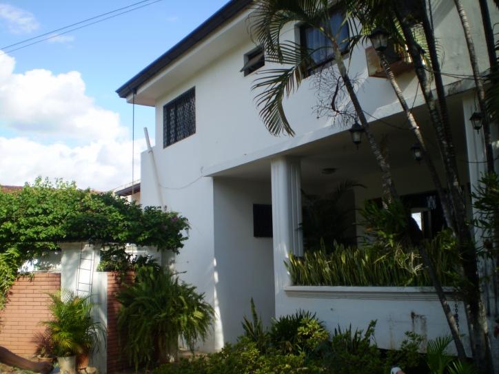 Residencia En Los Laureles