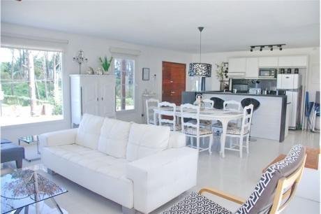 Montoya, Casa En Alquiler,3 Cuadras Del Mar,3 Dorm