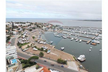 Apartamento Penthouse Frente Puerto Punta Del Este