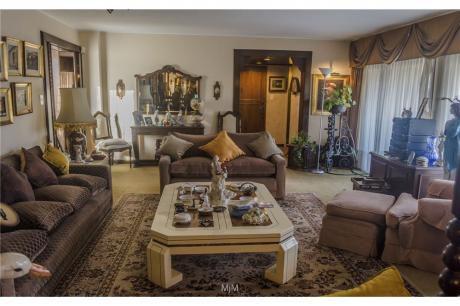Apartamento, 3 Dormitorios Orient Al Norte, Garaje Doble, E/leña