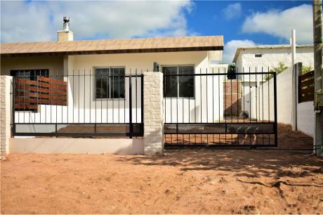 Casa Nueva En Ciudad De La Costa A Estrenar.