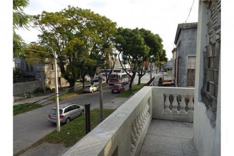 Casa De Altos Tres Dormitorios