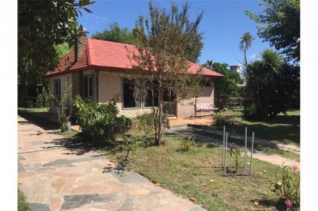Casa 3 Dormitorios Y Gran Terreno En Shangrilá