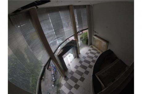 Edificio Corporativo En Los Laureles