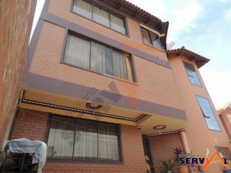 Casa En Venta De 3 Planta Zona Mayorasgo Inmediaciones Comuna Tunari