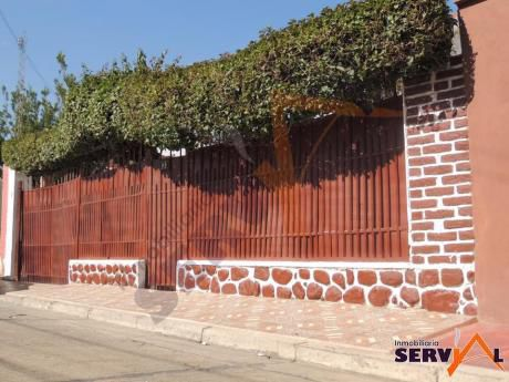 Hermosa Casa En Venta Zona Sarco Inmediaciones Av. América Barrio Profesional