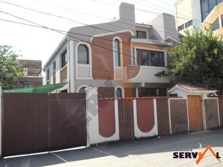 Casa En Venta Zona Norte Inmediaciones Av. Gabriel Rene Moreno Parque Lincoln