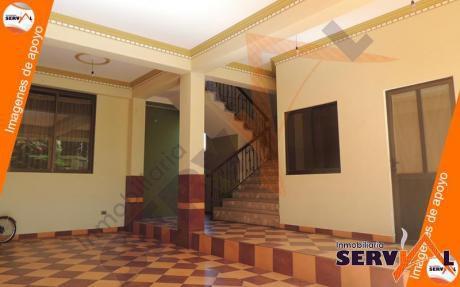 Casa En Anticrético, Inmediaciones Av. Beiging Y Av.circunvalación, Con Tienda