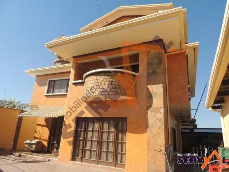 Casa De 2 Plantas En Anticretico, Sobre Avenida, Inmediaciones Segip Km 6 Blanco Galindo