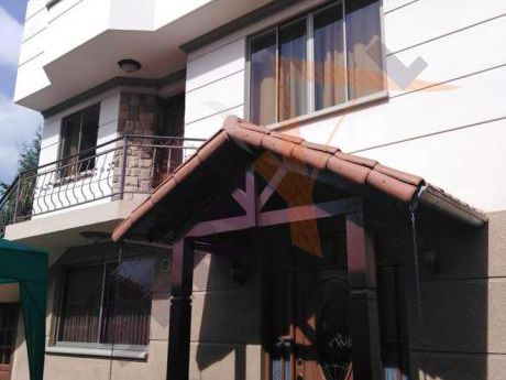 Hermosa Casa Independiente En  Alquiler En Urbanización, Inmediaciones  El Mirador