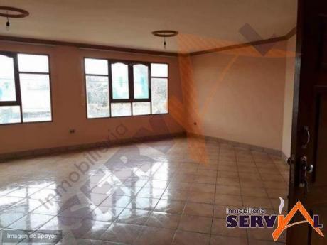 Casa Independiente En Anticretico De 2 Plantas, Inmediaciones De La Av. Circunvalacion Km 5