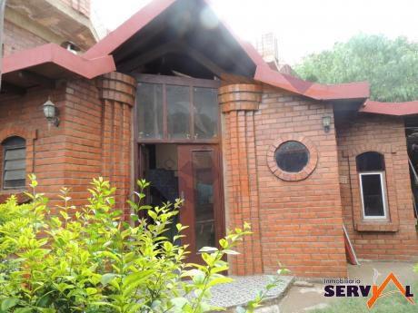 Casa En Venta En Esquina Con Tienda Inmediaciones Hospital Tiquipaya