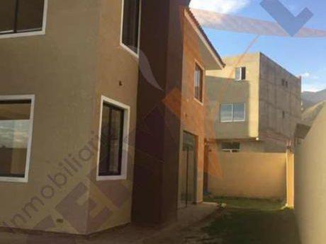 Hermosa Casa A Estrenar En Anticretico Inmediaciones De La Plaza Principal De Tiquipaya
