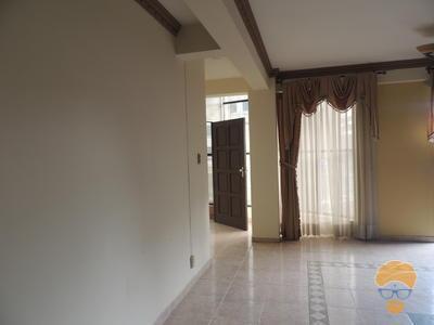 Casa En Alquiler Inmediaciones Av. Peru Y  Dorbigni