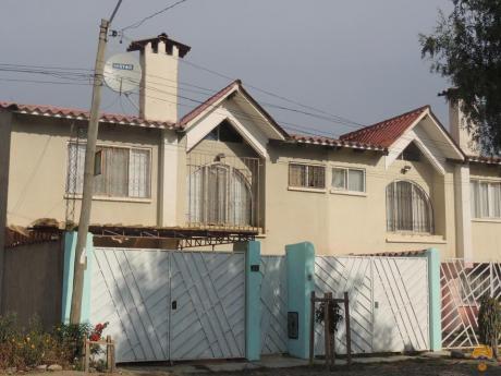 Vendo Casa De Dos Plantas, Inmediciones Km 10 Av. Blanco Galindo