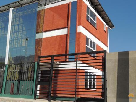 Casa En Venta Inmediaciones Quintanilla Sud