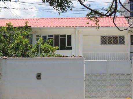 Casa En Venta Inmediaciones Del Sombrero De Chola