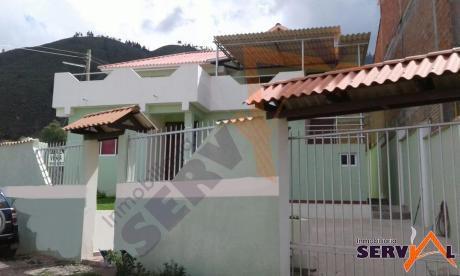Hermosa Casa De Dos Plantas A Estrenar Zona Tiquipaya Inmediaciones De La Universidad Univalle
