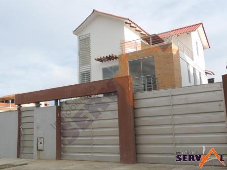 Hermosa Casa En Venta A Estrenar  De Tres Plantas Estilo Minimalista Zona Villa Busch