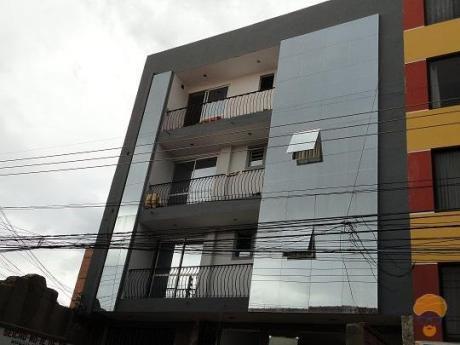 Edificio  A La Venta Inmediaciones De La Plazuela Colon