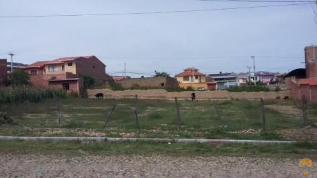 Vendo Amplio Terreno, Inmediaciones Km 4,5 A Sacaba, 775 Mts