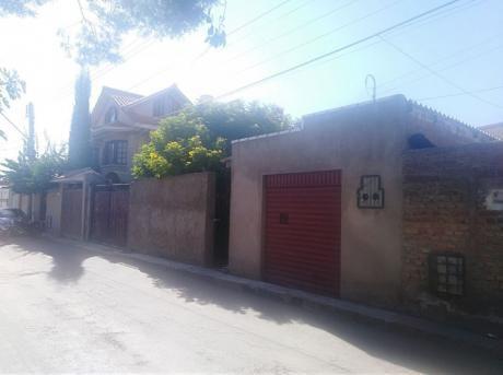 Casa En Venta A Pasos Av. Villavicencio, 263m2.